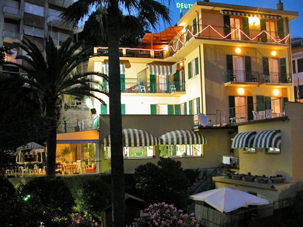 Hotel cani animali ammessi italia liguria savona finale for Hotel liguria milano