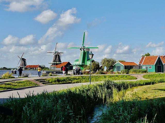 Zaanze Schans, cani ammessi - Ph. credits: Zairon [CC BY-SA 4.0 (https://creativecommons.org/licenses/by-sa/4.0)], from Wikimedia Commons