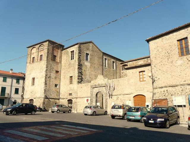 Castello di Terrarossa - Ph. Credits Davide Papalini [CC BY-SA 3.0 (https://creativecommons.org/licenses/by-sa/3.0)], from Wikimedia Commons