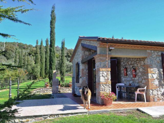 Casa vacanze pet friendly Toscana vista panoramica giardino recintato - Casa Baffo