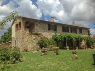 Vacanze con il cane in Toscana Val d'Orcia in agriturismo pet friendly