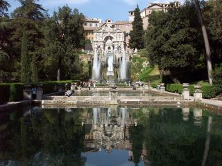 Villa d'Este Tivoli, cani ammessi - Ph. credits: Dnalor 01 [CC BY-SA 3.0 (https://creativecommons.org/licenses/by-sa/3.0)], from Wikimedia Commons