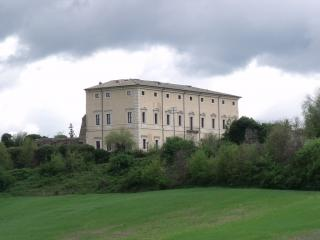 Villa Sforzesca Castell'Azzara, cani ammessi - Ph. credits: LigaDue [CC BY 3.0 (https://creativecommons.org/licenses/by/3.0)], from Wikimedia Commons